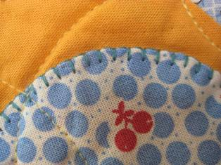 Applique introduction connectingthreads