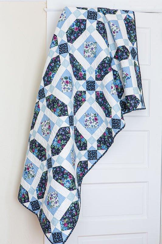 Violeta Garden Quilt Kit